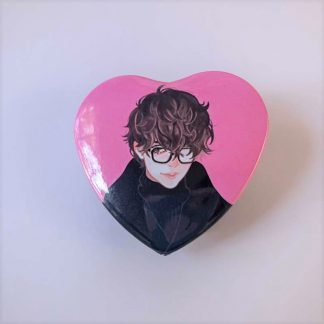 a heart button of ren amamiya from persona 5
